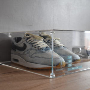 Magnetic Acrylic Sneaker Display Box By Chromosole